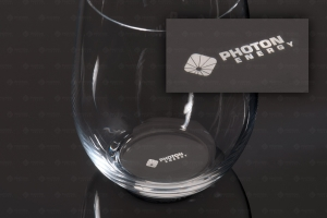 PHOTON ENERGY | Gravur eines Glasbodens - Marking glass