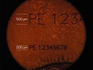 Gold-Mikromarkierung mit einer Schrifthöhe von 500µm & 200µm